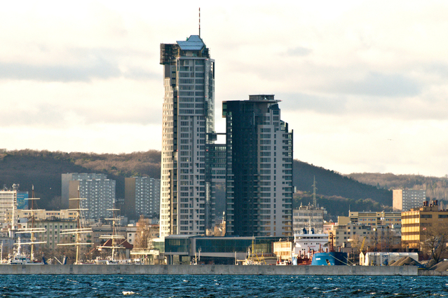 sea-tower-gdynia-1208412-639x424